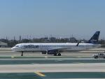 ヒロリンさんが、ロサンゼルス国際空港で撮影したジェットブルー A321-231の航空フォト(写真)