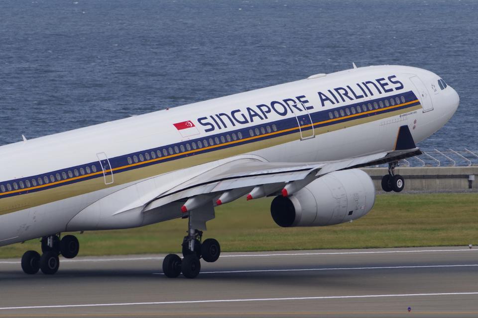 yabyanさんのシンガポール航空 Airbus A330-300 (9V-SSD) 航空フォト