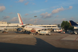シフォンさんが、シンガポール・チャンギ国際空港で撮影したフランス空軍 A340-212の航空フォト(写真)