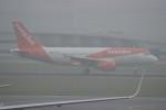 resocha747さんが、アムステルダム・スキポール国際空港で撮影したイージージェット A319-111の航空フォト(写真)