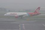resocha747さんが、アムステルダム・スキポール国際空港で撮影したエア・マルタ A320-214の航空フォト(写真)