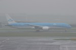 resocha747さんが、アムステルダム・スキポール国際空港で撮影したKLMオランダ航空 787-9の航空フォト(写真)