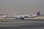 cornicheさんが、ドーハ・ハマド国際空港で撮影したカタール航空 A340-642Xの航空フォト(飛行機 写真・画像)