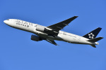 よしポンさんが、成田国際空港で撮影したユナイテッド航空 777-222/ERの航空フォト(写真)