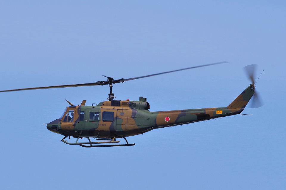 yabyanさんの陸上自衛隊 Fuji UH-1J (41827) 航空フォト