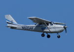 じーく。さんが、嘉手納飛行場で撮影した嘉手納フライングクラブ  172F Skyhawkの航空フォト(飛行機 写真・画像)