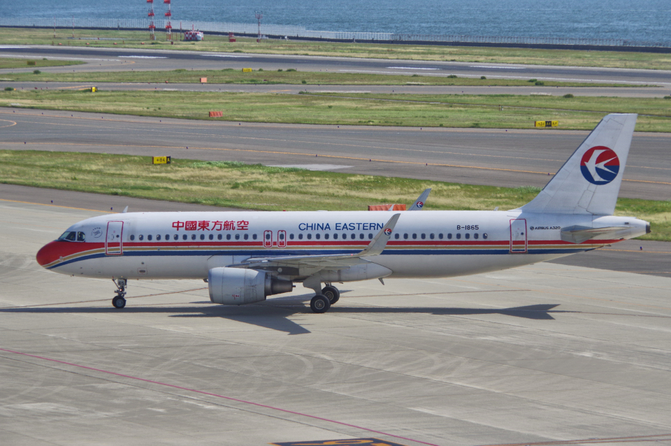 yabyanさんの中国東方航空 Airbus A320 (B-1865) 航空フォト