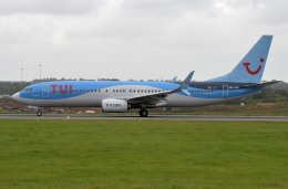 IL-18さんが、ロンドン・ルートン空港で撮影したトゥイ・エアラインズ・ベルギー 737-8K5の航空フォト(飛行機 写真・画像)