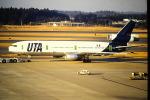 鯉ッチさんが、成田国際空港で撮影したUTA DC-10-30の航空フォト(写真)