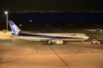 恵二さんが、羽田空港で撮影した全日空 767-381/ERの航空フォト(写真)