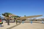 ちゃぽんさんが、アバロン空港で撮影したアメリカ陸軍 C-47B Skytrainの航空フォト(写真)