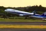 恵二さんが、成田国際空港で撮影した全日空 767-381/ERの航空フォト(写真)