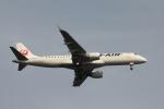 空の旅人さんが、羽田空港で撮影したジェイ・エア ERJ-190-100(ERJ-190STD)の航空フォト(写真)