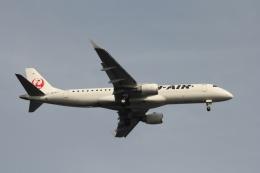 空の旅人さんが、羽田空港で撮影したジェイエア ERJ-190-100(ERJ-190STD)の航空フォト(飛行機 写真・画像)
