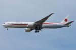 Fuseyaさんが、ユーロエアポート・バーゼルで撮影した航空自衛隊 777-3SB/ERの航空フォト(写真)