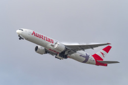 LAX Spotterさんが、ロサンゼルス国際空港で撮影したオーストリア航空 777-2Q8/ERの航空フォト(写真)