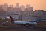 zero1さんが、羽田空港で撮影したデルタ航空 777-232/LRの航空フォト(写真)