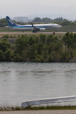 GNPさんが、富山空港で撮影した全日空 737-881の航空フォト(写真)