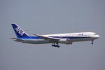 けいとパパさんが、羽田空港で撮影した全日空 767-381の航空フォト(写真)