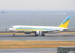 ふじいあきらさんが、羽田空港で撮影したAIR DO 767-381の航空フォト(写真)