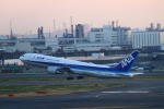 zero1さんが、羽田空港で撮影した全日空 767-381/ERの航空フォト(写真)