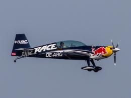 Mame @ TYOさんが、浦安総合公園で撮影したザルツブルク・ジェット・アビエーション EA-300LCの航空フォト(飛行機 写真・画像)