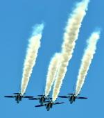 ピリンダさんが、静浜飛行場で撮影した航空自衛隊 T-4の航空フォト(写真)