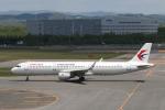 ATOMさんが、新千歳空港で撮影した中国東方航空 A321-211の航空フォト(飛行機 写真・画像)