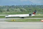 やんすーさんが、バンクーバー国際空港で撮影したエア・カナダ ジャズ CL-600-2D15 Regional Jet CRJ-705ERの航空フォト(写真)