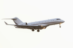 mameshibaさんが、成田国際空港で撮影したネットジェット・インターナショナル BD-700-1A10 Global 6000の航空フォト(写真)