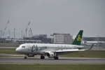 シャークレットさんが、新千歳空港で撮影した春秋航空 A320-214の航空フォト(写真)