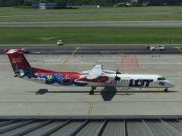 aquaさんが、ワルシャワ・フレデリック・ショパン空港で撮影したユーロロット DHC-8-402Q Dash 8の航空フォト(写真)