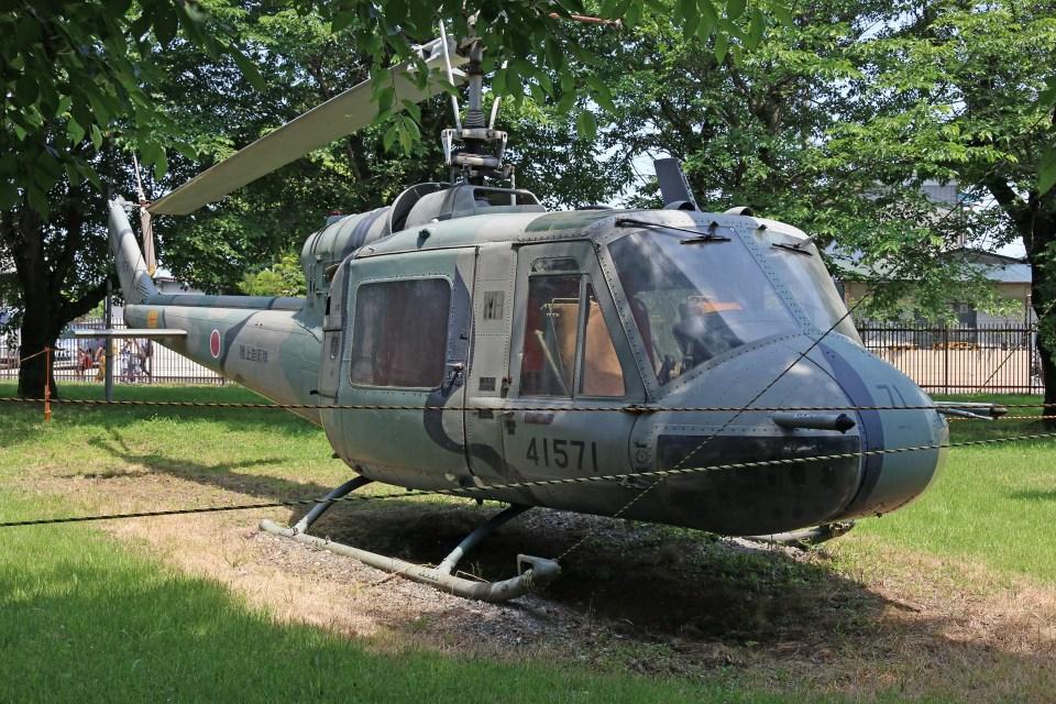 4engineさんの陸上自衛隊 Fuji UH-1B (41571) 航空フォト