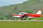 Dojalanaさんが、函館空港で撮影した日本個人所有 PA-28-140 Cherokeeの航空フォト(写真)