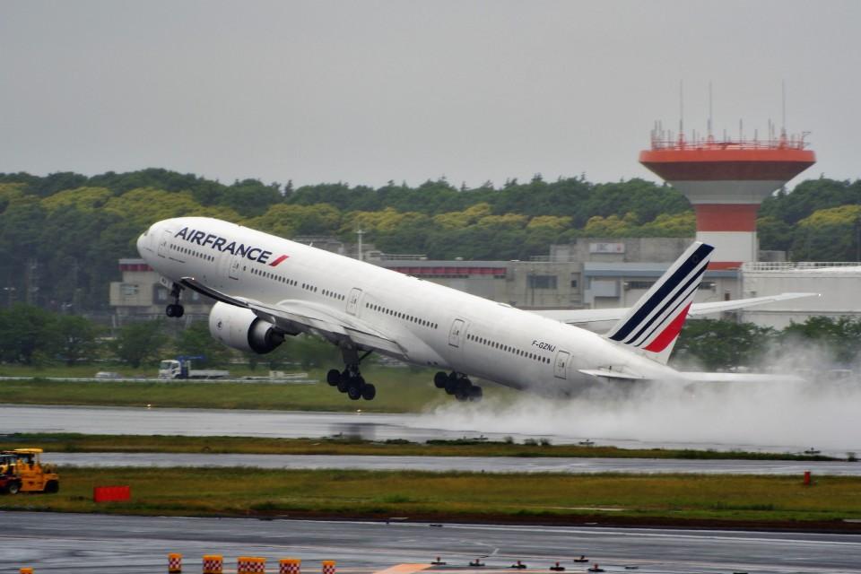 T.Sazenさんのエールフランス航空 Boeing 777-300 (F-GZNJ) 航空フォト