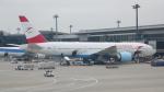 ちゃぽんさんが、成田国際空港で撮影したオーストリア航空 777-2Z9/ERの航空フォト(写真)