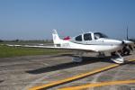 グリスさんが、宇都宮飛行場で撮影した日本個人所有 SR22 G3-GTSXの航空フォト(写真)