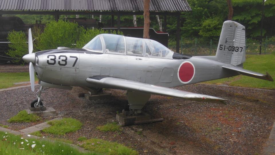ゴンタさんの航空自衛隊 Fuji T-34 (51-0337) 航空フォト