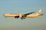 VEZEL 1500Xさんが、那覇空港で撮影した日本航空 777-346の航空フォト(写真)