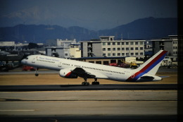 鯉ッチさんが、名古屋飛行場で撮影したロイヤル・ネパール航空 757-2F8の航空フォト(飛行機 写真・画像)