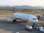 けんA380さんが、高松空港で撮影した全日空 777-281の航空フォト(写真)