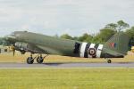 ちゃぽんさんが、フェアフォード空軍基地で撮影したイギリス空軍 C-47A Skytrainの航空フォト(写真)