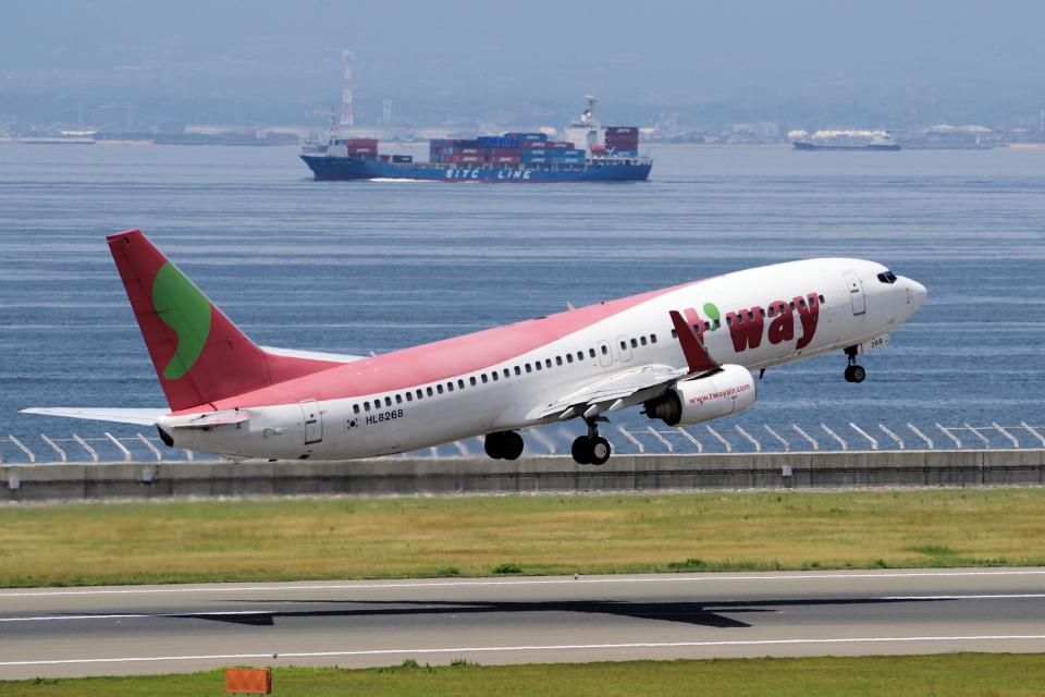 yabyanさんのティーウェイ航空 Boeing 737-800 (HL8268) 航空フォト