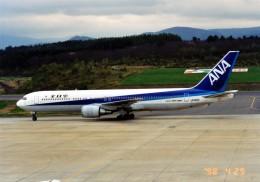 marariaさんが、青森空港で撮影した全日空 767-381の航空フォト(飛行機 写真・画像)