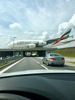 gomaさんが、ミュンヘン・フランツヨーゼフシュトラウス空港で撮影したエミレーツ航空 A380-861の航空フォト(飛行機 写真・画像)