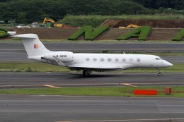 sin747さんが、成田国際空港で撮影したカラフル貴州航空 ERJ-190-100 LR (ERJ-190LR)の航空フォト(飛行機 写真・画像)