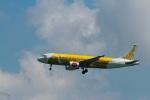 garrettさんが、香港国際空港で撮影したタイ・エアアジア A320-214の航空フォト(飛行機 写真・画像)