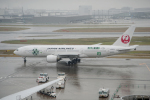 eagletさんが、羽田空港で撮影した日本航空 777-246の航空フォト(写真)
