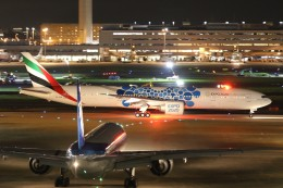 サリーちゃんのパパさんが、羽田空港で撮影したエミレーツ航空 777-31H/ERの航空フォト(写真)