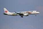 やまけんさんが、羽田空港で撮影したジェイ・エア ERJ-190-100(ERJ-190STD)の航空フォト(写真)